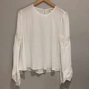 NWOT Beautiful white blouse